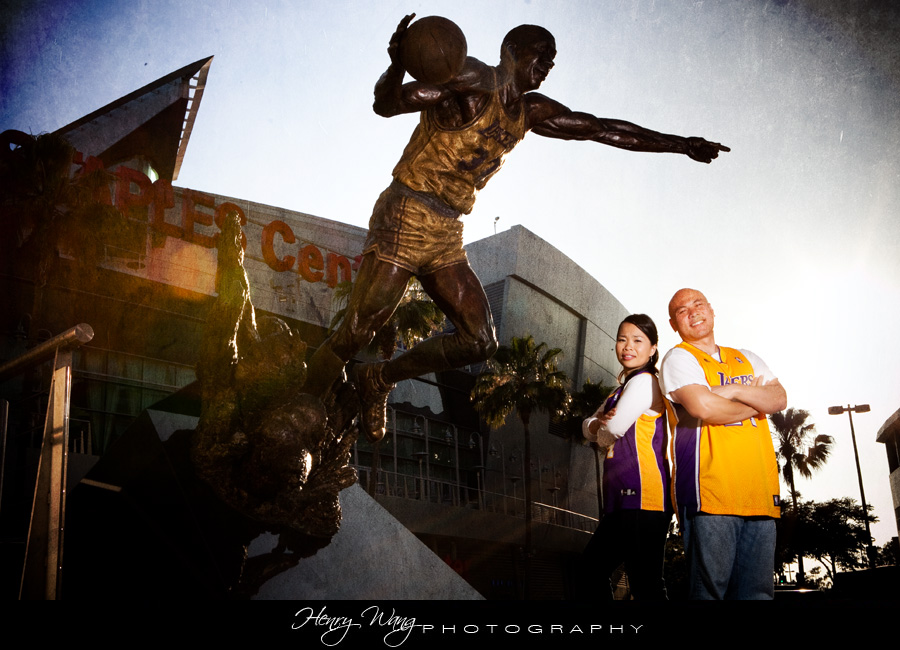 Lakers-Staples-Center-Wedding-Engagement-Picture-Kobe-Jersey
