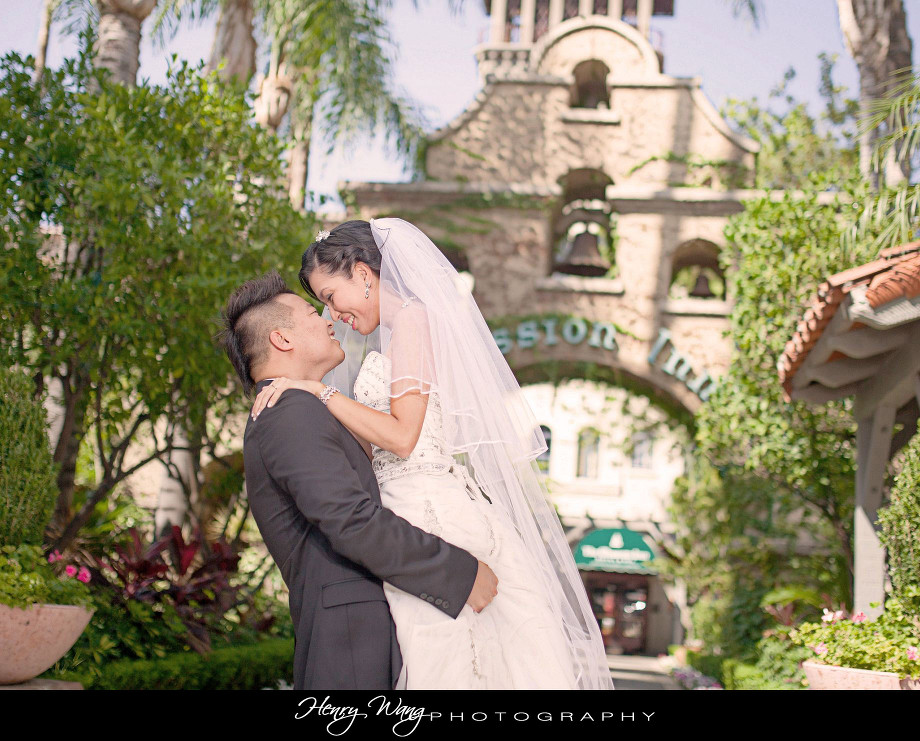 Mission-Inn-Riverside-Hotel-and-Spa-Pre-Wedding-Engagement-Photo